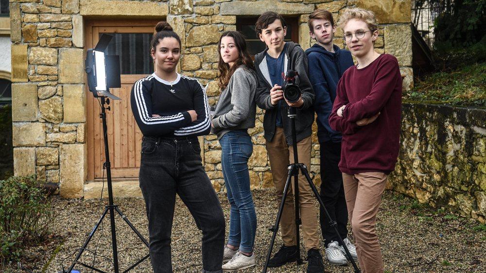 Romane, Amandine, Basile, Nathan et Maël espèrent procurer des émotions à leur public.