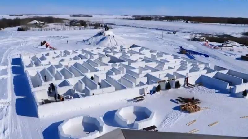 Au Canada, vous pouvez vous perdre dans le plus grand labyrinthe de neige du monde