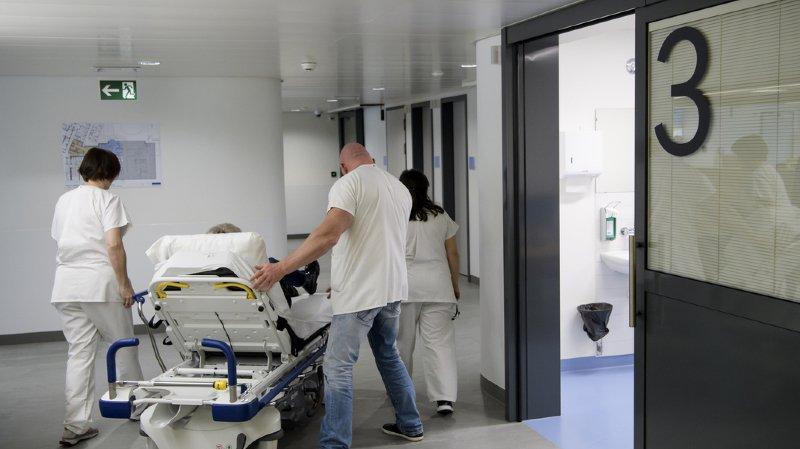 Santé: le Conseil fédéral soutient l'idée de plafonner les coûts