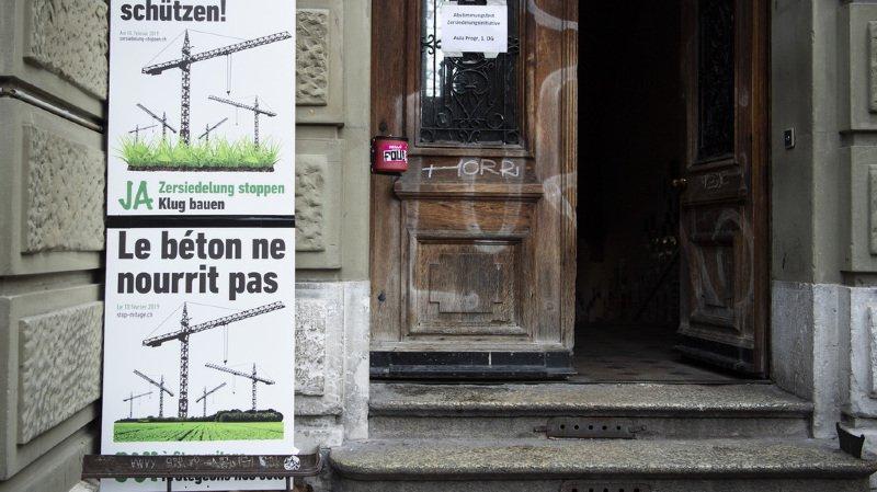 Les Suisses ont principalement voté non parce qu'ils jugent la législation en vigueur suffisante pour lutter contre le mitage urbain.