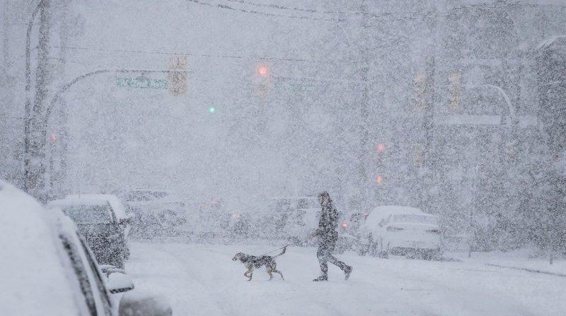 Canada: bloqué par la neige, il reste cloîtré chez lui pendant des semaines