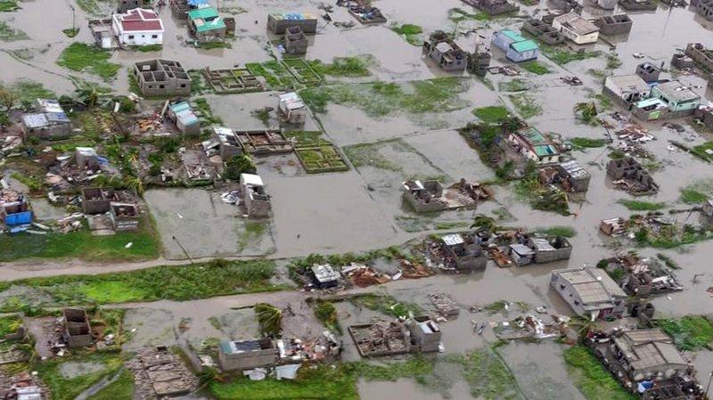 Le président mozambicain a survolé la zone sinistrée par le passage du cyclone Idai.