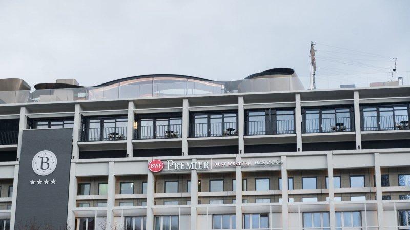 Neuchâtel: trois jeunes hommes coincés toute une nuit dans l'ascenseur de l'Hôtel Beaulac