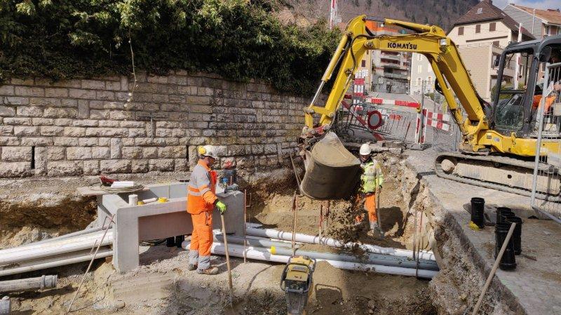 Plusieurs conduites non répertoriées ont été découvertes, ce qui rend nécessaire une extension du chantier