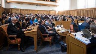 Grand Conseil neuchâtelois: faut-il interdire les conseillers communaux professionnels?