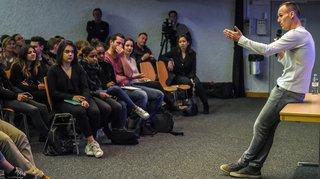 Steve von Bergen parle du racisme aux écoliers neuchâtelois