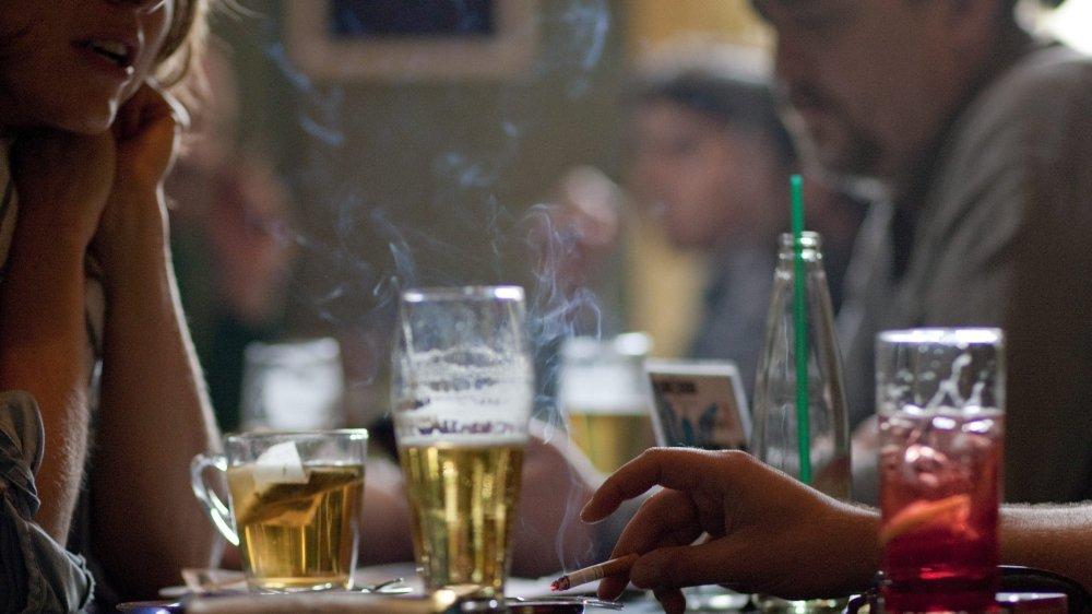 Il y a dix ans, Neuchâtel devenait le premier canton romand à interdire la cigarette dans les lieux publics.