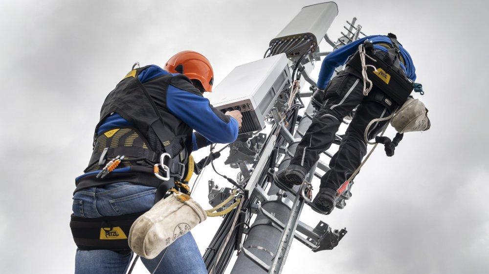 Installation d'une antenne 5G dans le canton de Genève.