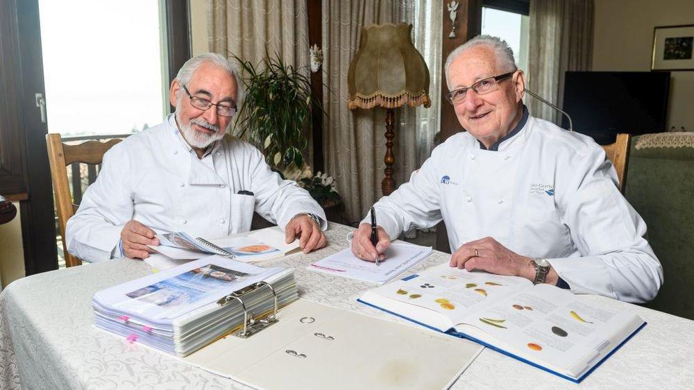 Jean-Pierre Berthonneau (à gauche) et Francis Grandjean s'occuperont de vos restes alimentaires.