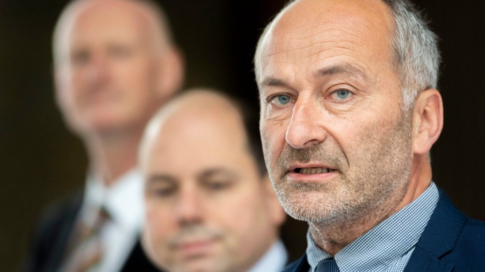 La section zurichoise de l'UDC vit des heures sombres: son président, Konrad Langhart, ainsi que quatre membres du comité du parti ont démissionné suite à la débâcle électorale de dimanche dernier.