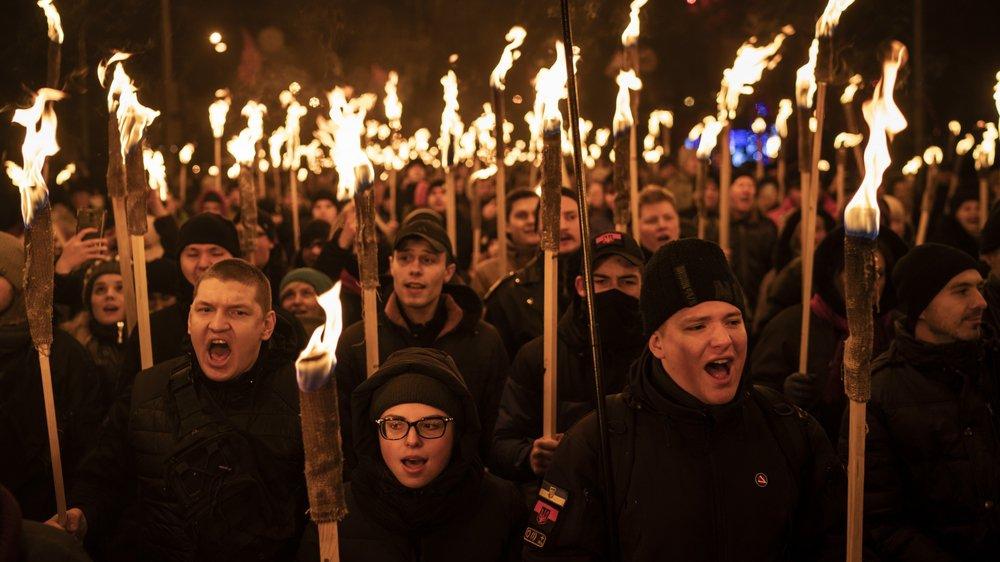 Les tensions avec la Russie ont aussi exacerbé les milieux nationalistes ukrainiens, comme ici lors d'un défilé, en janvier dernier.