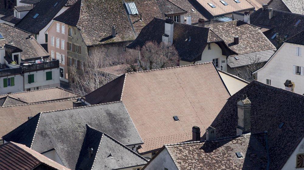 Les toits du vieux Cressier pourront-ils accueillir des panneaux solaires?