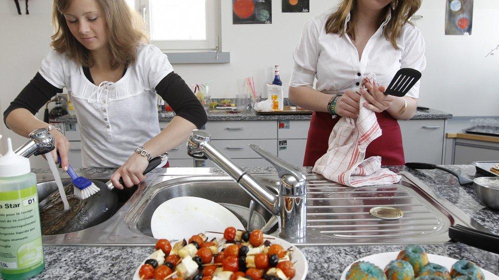 Un forfait est facturé aux parents pour la nourriture des plats préparés et mangés par les élèves.