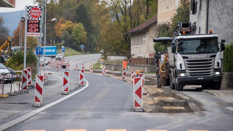 Après l'ouest du village (photo), les ouvriers ont oeuvré à l'est en fin d'année dernière. Il ne reste qu'à poser le revêtement final le mois prochain.