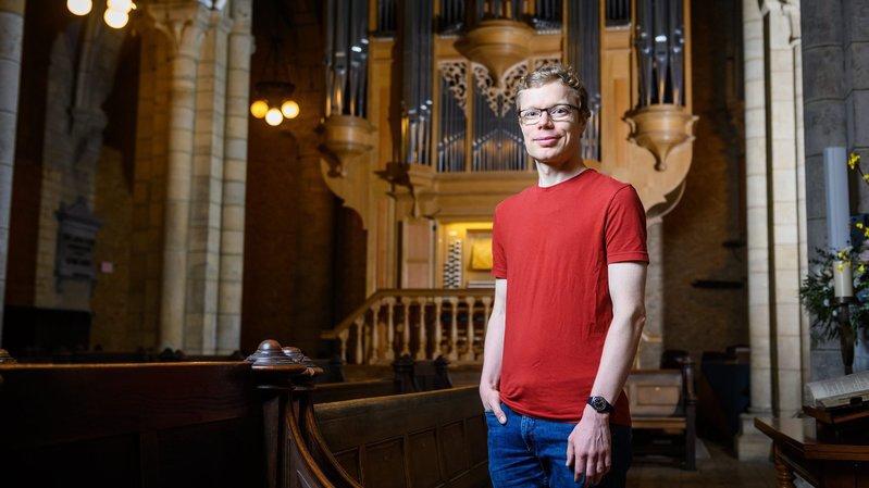 Simon Peguiron veille sur l'orgue de la collégiale de Neuchâtel depuis dix ans