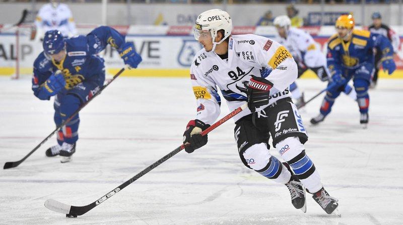 Après une brève saison en Suède, l'ancien joueur de Fribourg-Gotteron Makai Holdener, a signé au HCC.