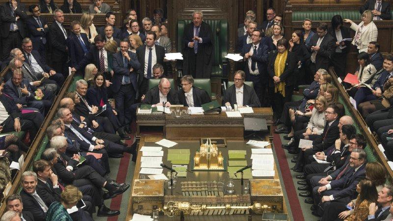 Brexit: les députés votent pour un report du Brexit afin d'éviter un no deal