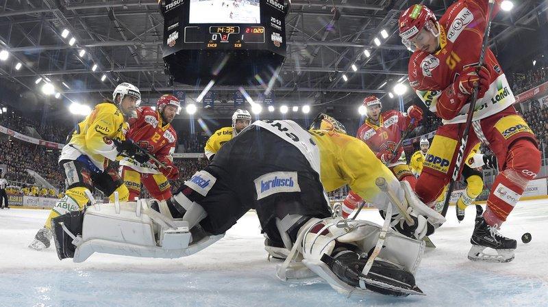 Le portier bernois (en jaune, au sol) a fait le malheur des attaquants biennois.