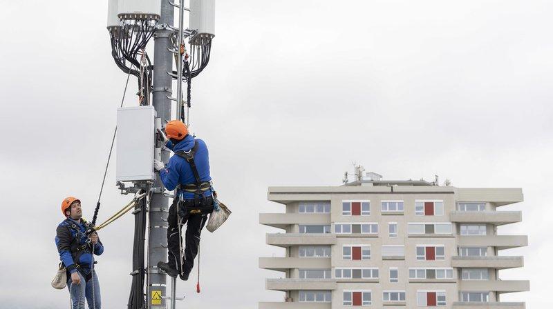 Des antennes 5G fleurissent sur les pylônes à travers toute la Suisse, comme ici dans le canton de Genève.