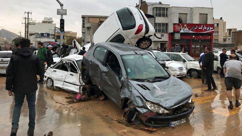 Le bilan des inondations grimpe à 43 morts