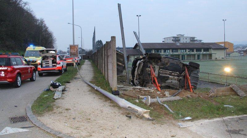 Accident de la route à Alle: deux blessés
