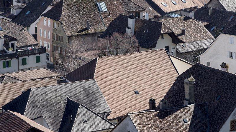 En attente depuis un an de recevoir l'autorisation de poser des panneaux solaires dans le vieux Cressier