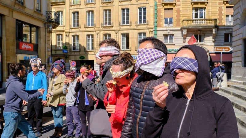 Lors de leur initiation aux arts de la rue, les participants au workshop ont vu leurs sens exacerbés.