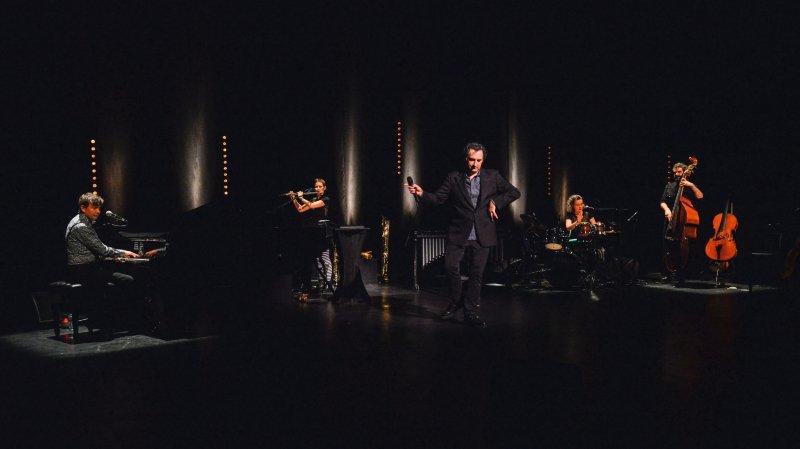 François Morel chante la vie au Casino du Locle
