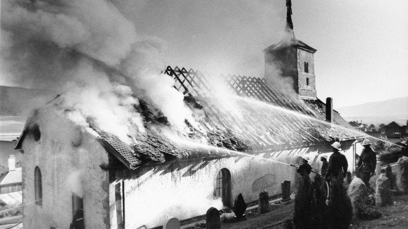 La charpente du temple de Dombresson est partie en fumée en 1994