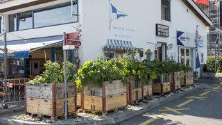 Neuchâtel: le torchon brûle entre le Cercle de la voile et les patrons du restaurant