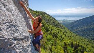 Le Club alpin suisse sort un guide d'escalade pour le canton de Neuchâtel