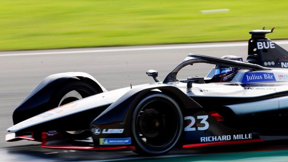Sébastien Buemi (ici en test en octobre à Valence, en Espagne) veut marquer son passage à Paris ce samedi.