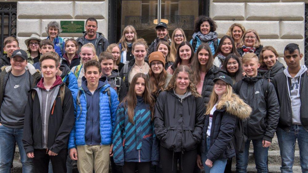 Les lycéens d'Esslingen, en Allemagne, sont arrivés jeudi à Neuchâtel. Ils participeront à la vie du lycée Denis-de-Rougemont durant une semaine.
