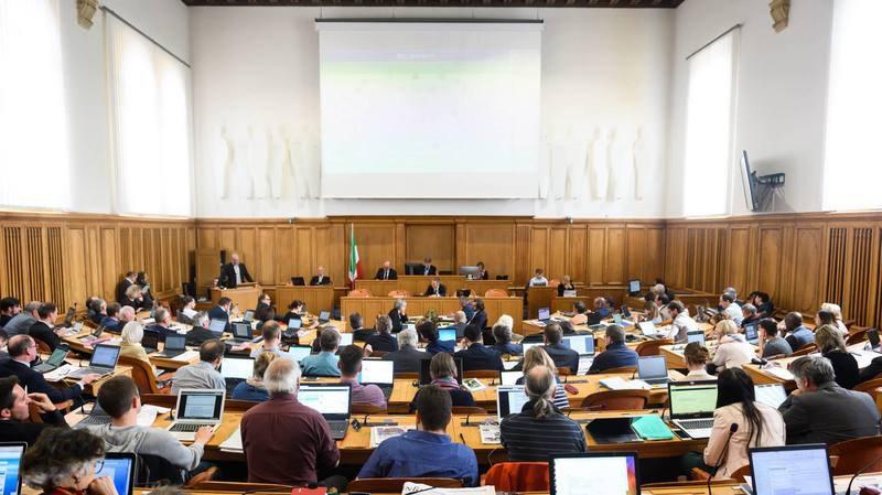 Le parlement neuchâtelois en faveur du droit de vote à 16 ans