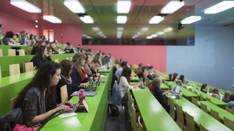 Le développement des hautes écoles figure parmi les raisons expliquant la hausse du nombre de jeunes femmes diplômées d'haute école sur les vingt dernières années. (Illustration)