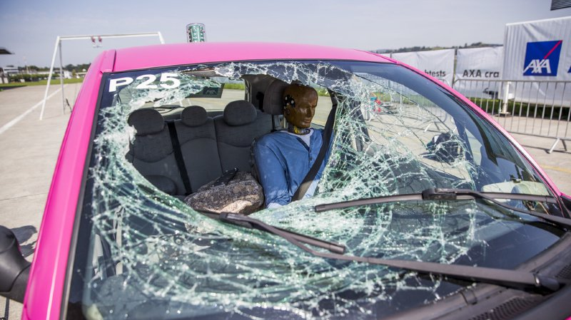 Les passagers assis à l'arrière ont plus de risque d'être gravement blessés. (illustration)