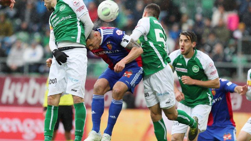 A Saint-Gall, le FC Bâle a frappé une fois en première mi-temps, par van Wolfswinckel (12e but cette saison), puis en seconde par Campo et Stocker, avec les deux fois Bua à la baguette.