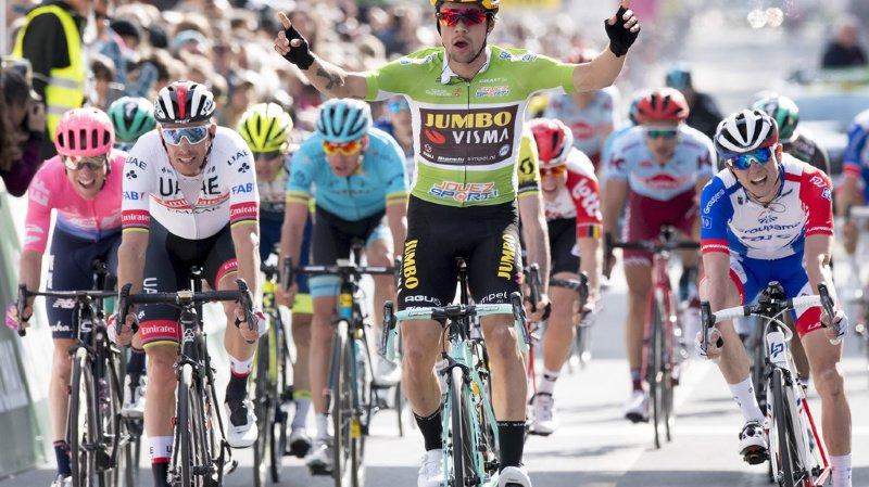 Primoz Roglic lève les bras. Il a parfaitement bien géré ce sprint final.