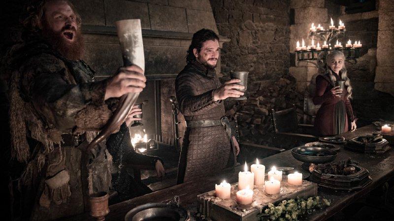 """L'histoire du gobelet Starbucks oublié dans une scène de """"Game of Thrones"""" est devenue virale."""