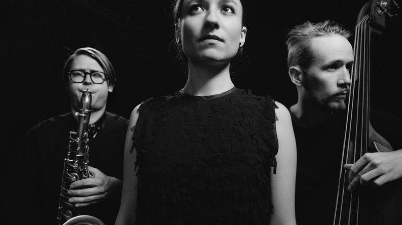 """Le disque enregistré par Otis Sandsjö, Lucia Cadotsch et Petter Eldh (de g. à dr.) a été encensé par le magazine américain """"Downbeat""""."""