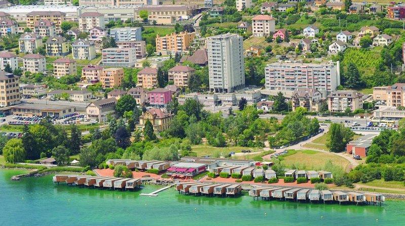 L'hôtel Palafitte et le sud du quartier de Monruz