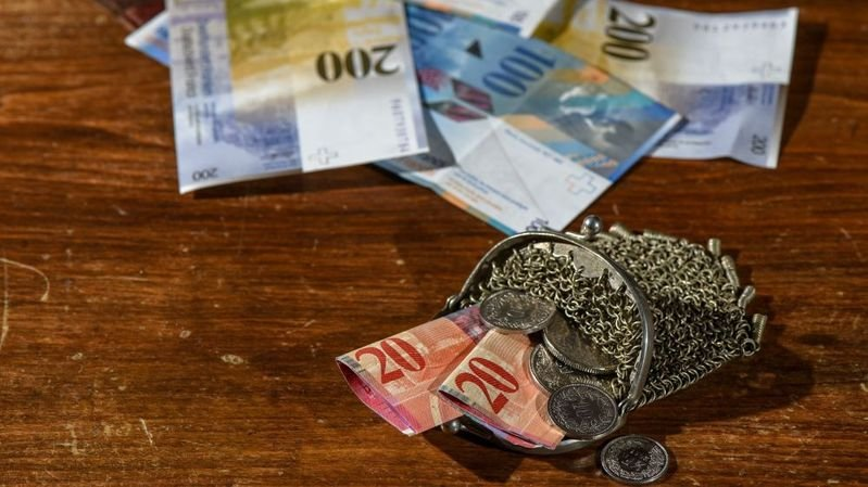 L'inflation de 0,9% a contribué à la baisse des salaires réels en Suisse en 2018.