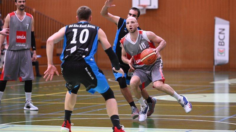 Emmené par un Fahri Breca étincelant, Val-de-Ruz basket est devenu champion de première ligue.