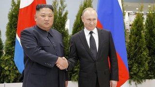 """Péninsule coréenne: Kim Jong Un salue des pourparlers """"très substantiels"""" avec Poutine"""