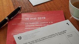 RFFA, loi sur les armes: un net double oui des Neuchâtelois