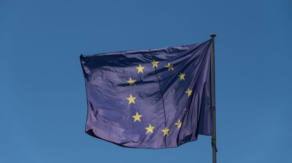 Le drapeau du Conseil de l'Europe est identique à celui de l'Union européenne.