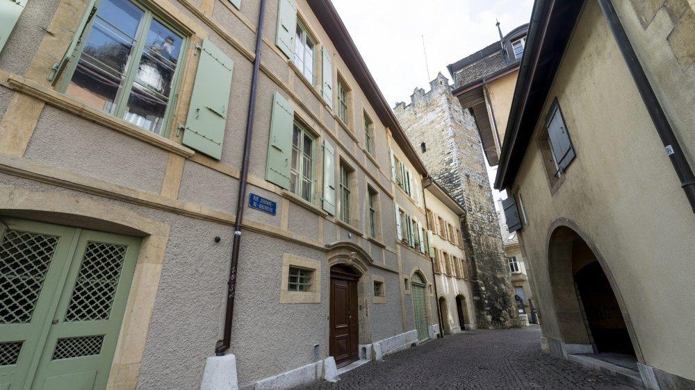 Le Nifff loue des locaux à la rue Jehanne-de-Hochberg 3, dans le bâtiment accolé à la Tour des prisons.