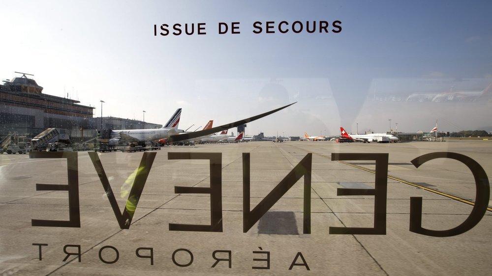 Après avoir décollé de Genève, l'avion qui transportait le requérant d'asile renvoyé et ses accompagnateurs est revenu à son point de départ.