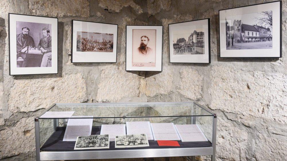 Des documents écrits et de vieilles photos rappellent le passage de Carl Spitteler (portrait au centre) à La Neuveville, entre 1881 et 1885. Avant qu'il ne devienne un écrivain reconnu.