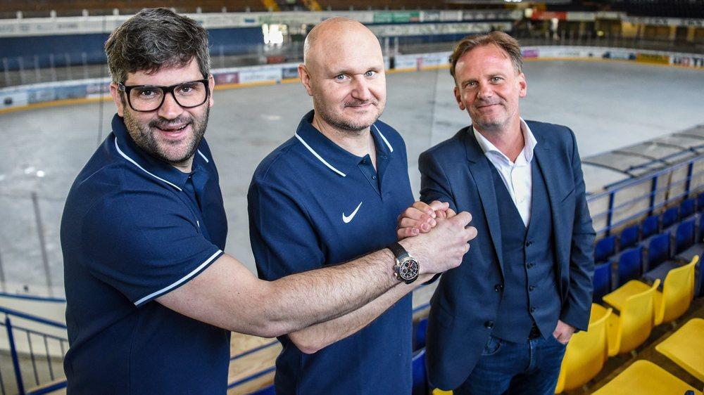 Mika Kvranström (au centre), entouré par Loïc Burkhalter (à gauche) et Alain Dubois, n'est pas un entraîneur suédois de la vieille école.